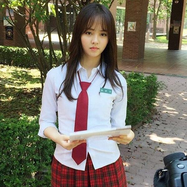 sao-han-5-7-yoon-ah-mac-dong-phuc-hoi-teen-seo-hyun-me-mn-nhin-ban-dien-nam-7