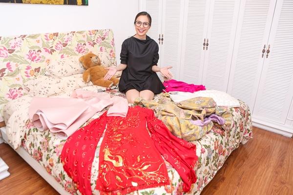 Đặc biệt, Hiền Thục sẽ bán toàn bộ áo dài của mình - một trong những trang phục cô nhận được nhiều lời khen về tính thẩm mỹ mối khi xuất hiện.