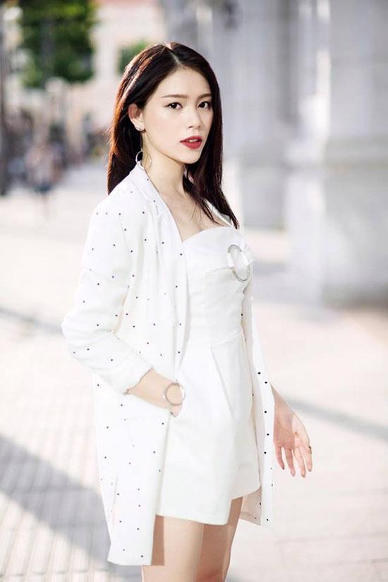 sao-style-11-7-linh-rin-sang-chanh-emily-mac-quan-shorts-ngan-nhu-noi-y-1