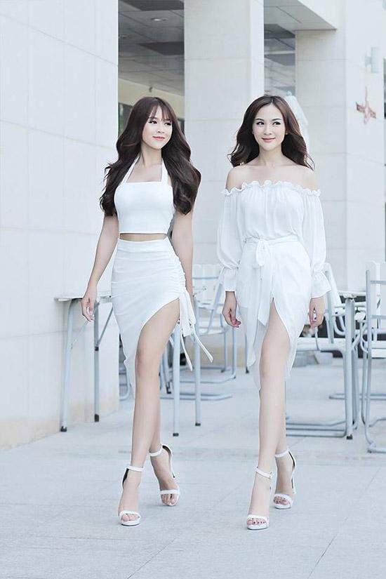 sao-style-14-7-ha-lade-sang-chanh-sam-kelly-khoe-chan-trang-non-3