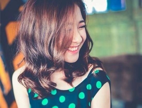 nhung-hot-girl-viet-cuoi-ho-loi-van-cuc-xinh-1