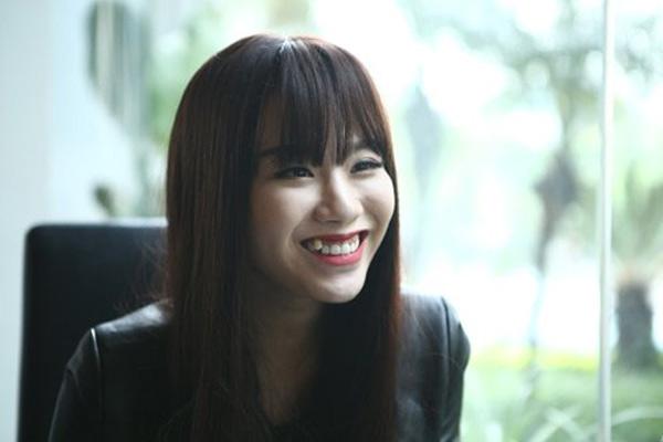 nhung-hot-girl-viet-cuoi-ho-loi-van-cuc-xinh-3
