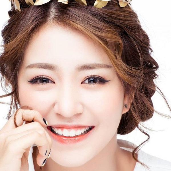 nhung-hot-girl-viet-cuoi-ho-loi-van-cuc-xinh-4