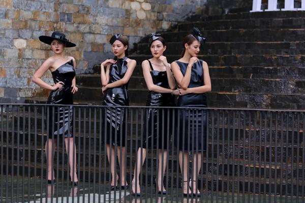 the-face-pham-huong-choi-chieu-soc-loai-doi-lan-khue-con-2-nguoi-1