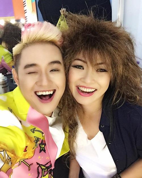Thanh Duy selfie với đàn chị Phương Thanh