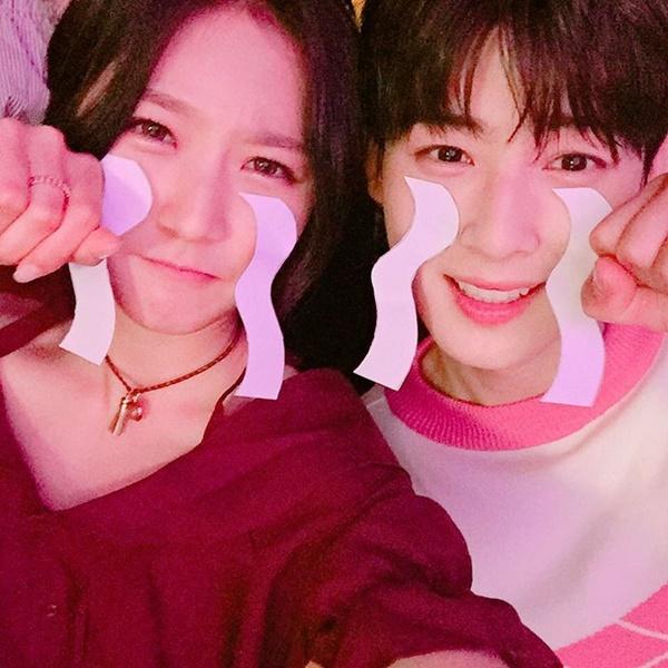 sao-han-17-7-song-hye-kyo-deo-kinh-lam-mau-jessica-khoe-da-sang-min-3