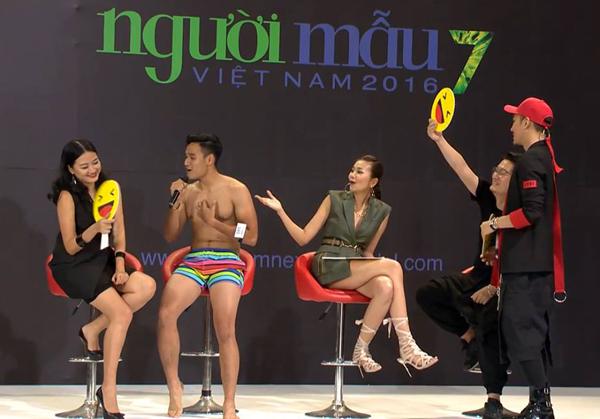 catwalk-do-nhu-khuc-go-hot-girl-1m54-van-vao-nha-chung-next-top