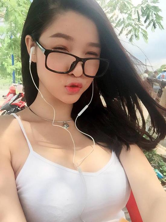 sao-viet-18-7-ky-han-khoe-vong-1-khung-huyen-my-chup-anh-lam-mau-page-2