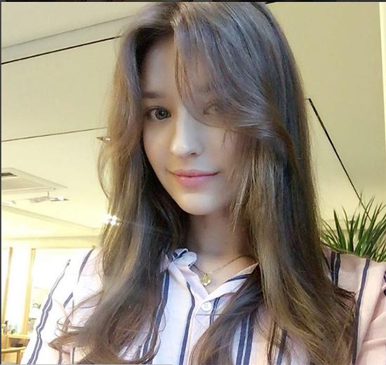 khi-cac-hot-girl-phuong-tay-me-tit-style-trang-diem-han-nhat-3