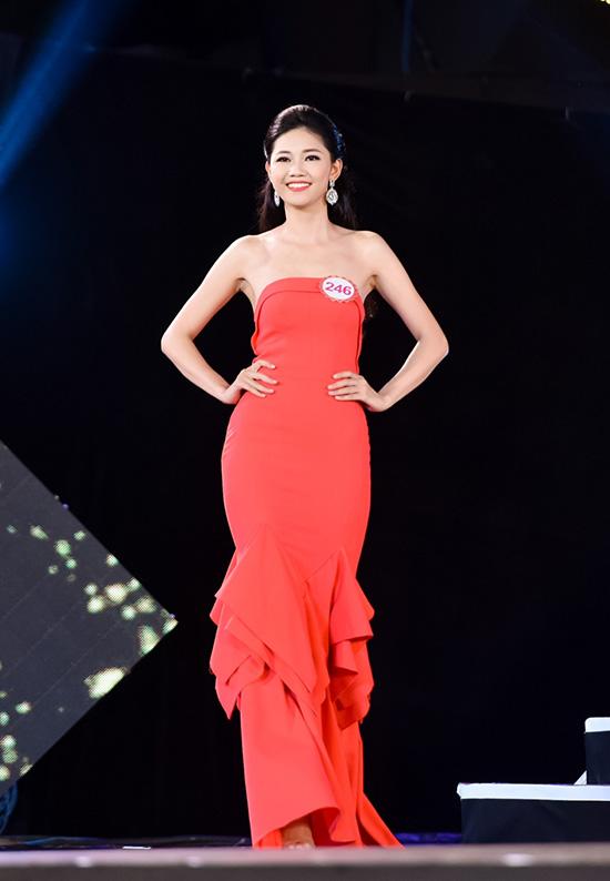 sieu-vong-ba-99cm-duoc-ky-vong-dang-quang-hoa-hau-viet-nam-2016-7