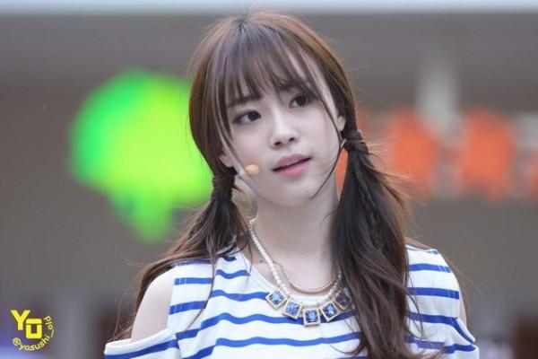 Young Ji bắt đầu thử sức ở lĩnh vực diễn xuất qua web drama The Alchemist vào đầu năm nay nhưng phải đến Lại là Oh Hae Young thì khả năng diễn xuất của cô mới được thừa nhận. Vai diễn giúp Young Ji dập tắt nghi ngờ của khán giả đối với diễn xuất của một tân binh.