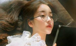 Nhan sắc 'phũ phàng' sau loạt ảnh đã sửa 'nát tay' của các hot girl mạng Trung Quốc