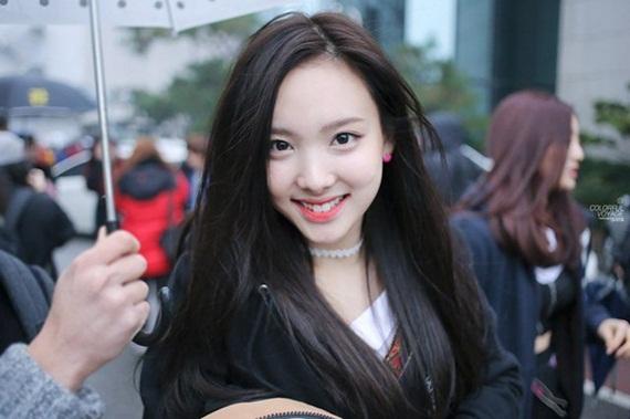 10-my-nhan-han-khong-can-nhuom-toc-van-xinh-xuat-sac-4