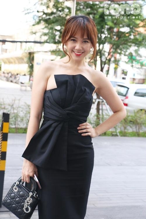tran-thanh-khen-hari-won-qua-thom-1