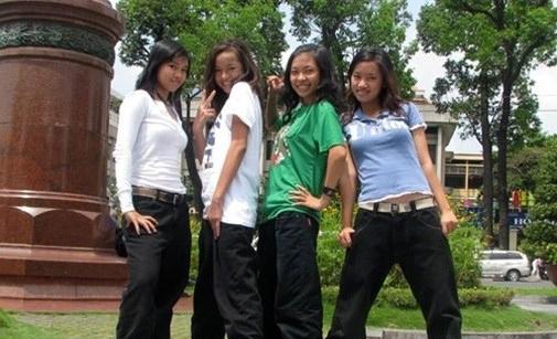 Từ lúc còn là teen girl, cô nàng đã mê phong cách hầm hố, thường xuyên tham gia các CLB, tập luyện vũ đạo cùng bạn bè.