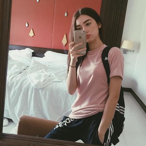 hot-girl-ban-rap-thai-so-huu-nhan-sac-nhu-tranh-ve-10