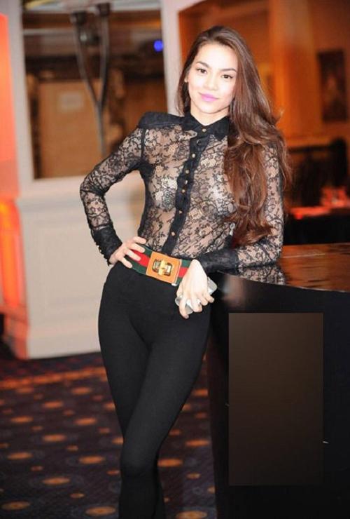 Năm 2010, người mẫu - ca sĩ Hồ Ngọc Hà tiếp tục đảm nhận vai trò này chứng tỏ tầm ảnh hưởng của cô không hề nhỏ trong làng mẫu Việt. Cô xuất hiện nhiều hơn với những bộ đầm sexy, xuyên thấu hoặc ôm sát khoe dáng chuẩn.