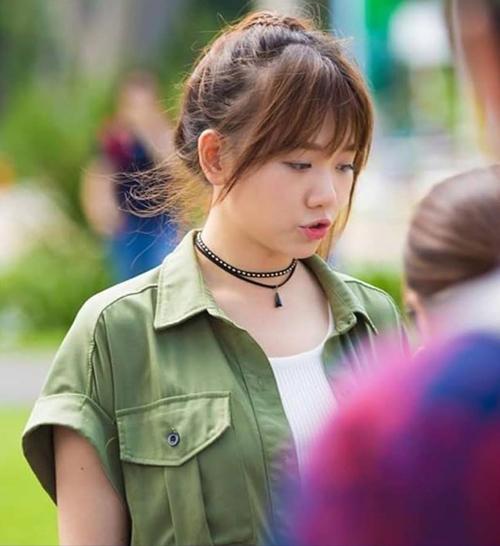 Sau nghi vấn mang bầu, Hari Won phủ nhận là do mình đang béo lên. Cô nhất quyết giảm cân bằng việc sẽ không ăn gì từ sau 18h.