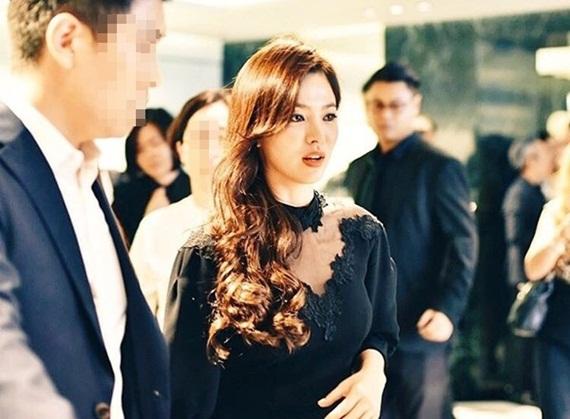 kpop-style-24-7-song-hye-kyo-long-lay-yoon-ah-style-ngay-cang-chat