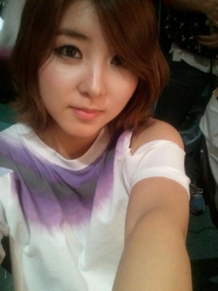 So Hyun thiếu một chút duyên với các fan nam. Có lẽ với họ, em út của 4minute trông giống một cô em gái nhiều hơn là mẫu cô gái có thể theo đuổi.