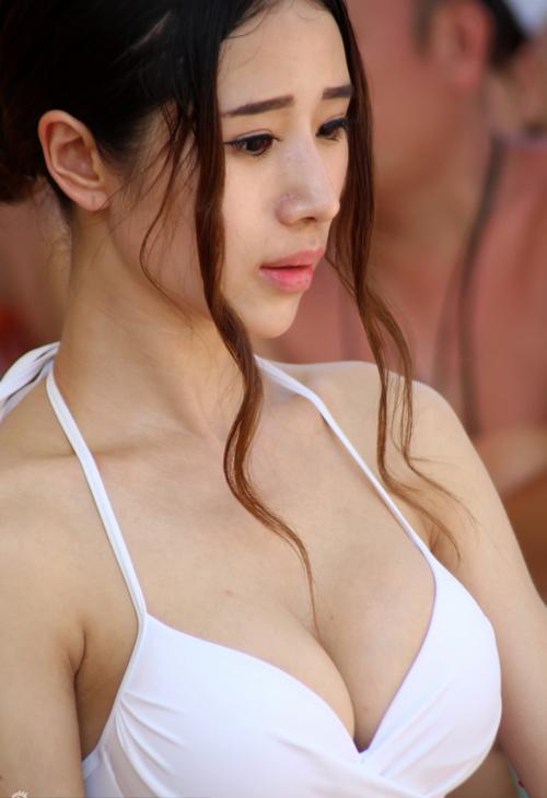 cac-thi-sinh-hoa-hau-bikini-lo-bung-mo-nguc-lep-5