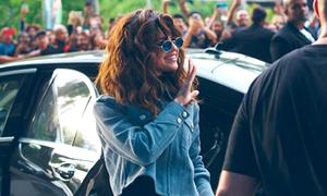 Tóc mới của Selena bị chê bù xù như 'lâu không gội đầu'