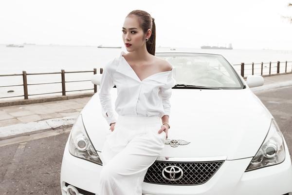 Diệp Bảo Ngọc từng kết hôn với diễn viên Thành Đạt kết hôn vào tháng 9.2012 và chính thức chia tay vào giữa năm 2015. Trong khi đó, Hải Băng và Tiến Dũng từng có mối tình 3 năm. Đến giữa năm 2014, mối quan hệ này rạn nứt vì xuất hiện người thứ ba - hot girl một con Lan Anh, cũng là bạn gái thân thiết của Hải Băng.