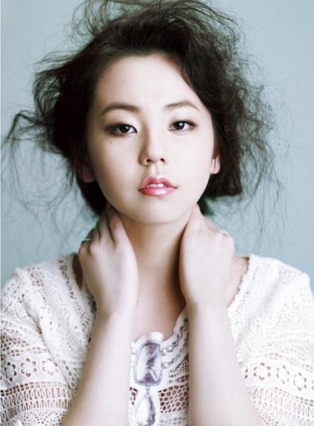 So Hee sở hữu nét đẹp lạ, là visual, nam châm hút fan khi còn hoạt động cùng Wonder Girls. Thời đỉnh cao 2007, 2008, không fan Kpop nào là không biết đến danh tiếng của cô nàng.