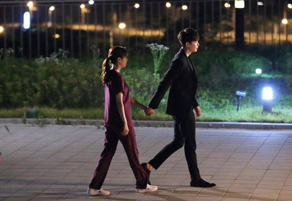 w-tap-5-kang-chul-hon-sau-yeon-joo-ban-tac-gia-bo-truyen-2
