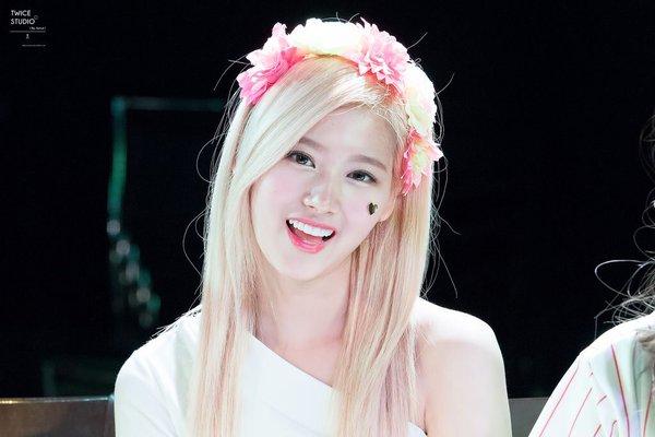 khong-phai-tae-yeon-hay-suzy-day-moi-la-nu-than-cua-fan-nam-han-3