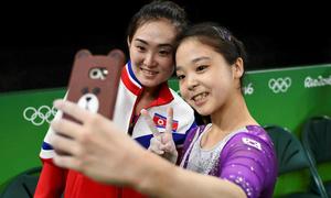 VĐV Triều Tiên đối mặt án tử vì selfie cùng đối thủ Hàn Quốc
