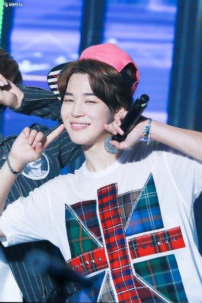 7-idol-nam-kpop-duoc-vi-nhu-den-tu-thien-duong-6