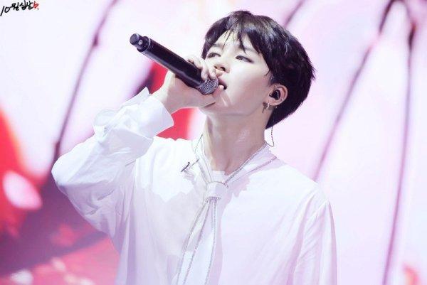 7-idol-nam-kpop-duoc-vi-nhu-den-tu-thien-duong-7