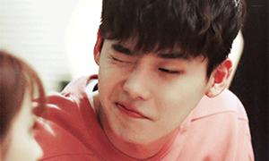 W: Ngoài 'giận dữ và trống rỗng', Kang Chul có hàng tá biểu cảm 'nhìn là yêu'