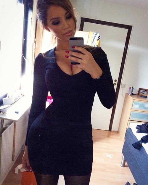 3. Cô gái 24 tuổi người Thụy Điển tên Ines Helene có thân hình đẹp và diện mạo quyến rũ. Nhưng cô không khởi nghiệp bằng nghề người mẫu mà đến London để học ngành tài chính.