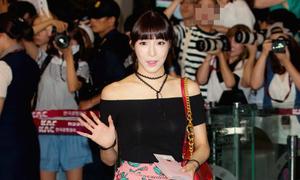 Kpop style 13/8: Tiffany bị ánh đèn flash làm lộ nội y