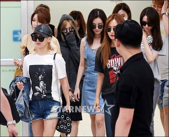 Việc Tiffany vướng scandal khiến hình ảnh của SNSD cũng bị ảnh hưởng lớn, các fan đều thừa nhận nữ ca sĩ đã sai trong vụ việc, không suy nghĩ kỹ khi đăng bài. Họ hi vọng nhóm sẽ sớm vượt qua khoảng thời gian khó khăn để tiếp tục hoạt động.