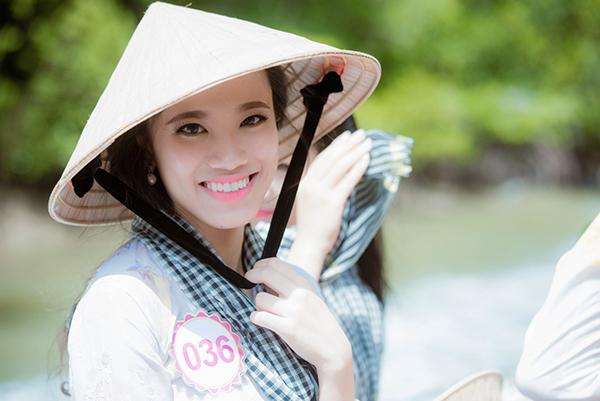 Nguyễn Huỳnh Kim Duyên (SBD 036) cho biết cô thật sự ngưỡng mộ ý chí và tinh thần cố gắng tham gia nhiều cuộc thi của HĂng Niê. Vì thế, dù là đối thủ của nhau, Kim Duyên vẫn dành tình cảm và ủng hộ HĂng Niê tiến xa trong cuộc thi. Chia sẻ thêm về bản thân, Kim Duyên bày tỏ cô đam mê tập gym và từng nỗ lực giảm từ 59kg xuống 53kg để sở hữu một vóc dáng cân đối, gợi cảm hơn.