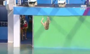 Màn nhảy cầu 'thảm họa' bị điểm 0 của nữ VĐV ở Olympic