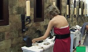 Trang phục hớ hênh của thí sinh The Face trên truyền hình