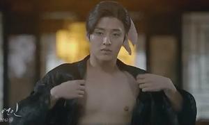 Moon Lover: Dàn mỹ nam đồng loạt cởi áo trong teaser mới