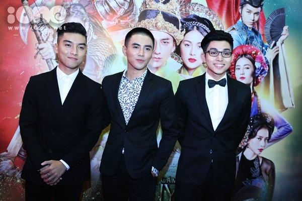3 chàng trai (từ trái qua) Ngọc Trai,