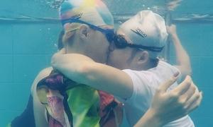 Thanh Duy hôn đắm đuối Hương Giang idol dưới nước