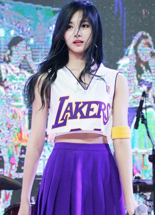 nhung-guong-mat-dep-hut-fan-nhat-cua-girlgroup-the-he-thu-4-3