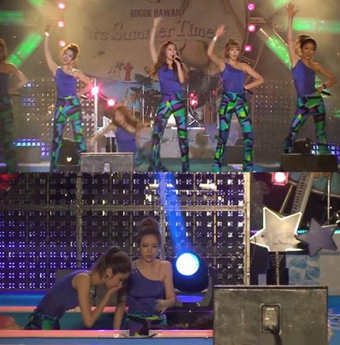 5-thu-pham-gay-tai-nan-san-khau-cho-cac-sao-kpop-6