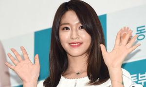 Seol Hyun lộ mặt sưng, da bóng dầu gây thất vọng trong sự kiện