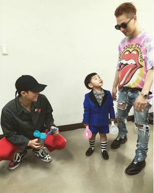 kpop-style-21-8-na-eun-bi-dim-hang-vi-kieu-make-up-co-cung-nhu-khong