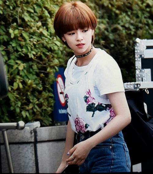 kpop-style-21-8-na-eun-bi-dim-hang-vi-kieu-make-up-co-cung-nhu-khong-1