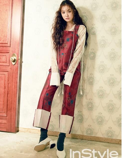 Na Eun bị dìm hàng trên tạp chí vì lỗi trang điểm, trang phục theo style vintagne bị đánh giá là quê mùa.