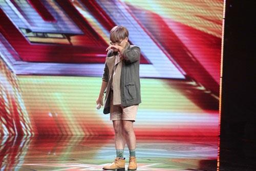 thi-sinh-tu-tu-thanh-lam-mang-huong-ho-x-factor-2016-van-khong-the-bot-nhat-nheo